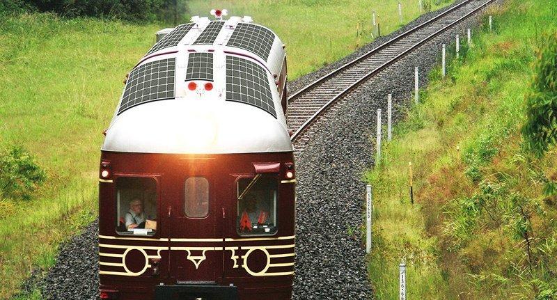 перший у світі поїзд на сонячних батареях